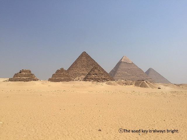 エジプトギザのピラミッド