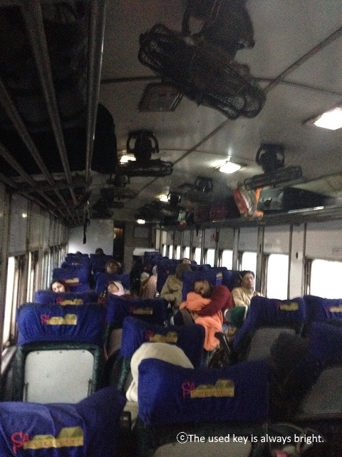 バングラディシュの夜行列車