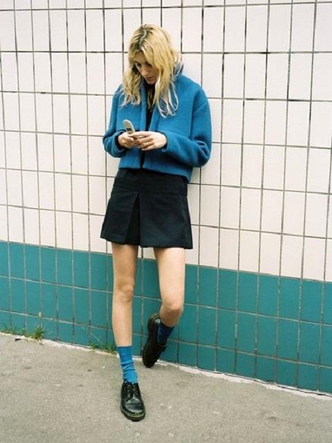 ソックス×革靴ローファーのコーディネート