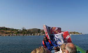 マラウィ(4)ダイバーは湖からもやってくる! リコマアイランド到着