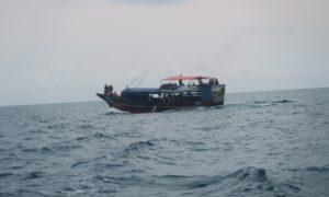 タンザニア(8)フェリーで土器土器! 密航者気分でマフィア島上陸!