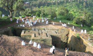 エチオピア(5)ラリベラのホーリーすぎる日曜ミサとささやかな逃走劇