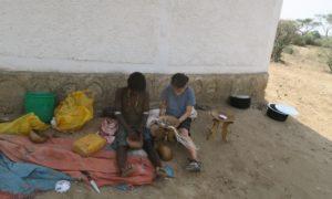 エチオピア(19) ハマル族&日本族!! 女子力発揮の青空手作り教室