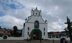 メキシコ(18)サンクリストバル周辺村巡り。撮影厳禁の教会と民族意識について