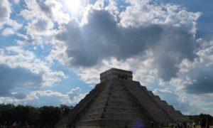 メキシコ(22)チチェンイツァ観光!! 巨大ピラミッドと魅惑の? セノーテ