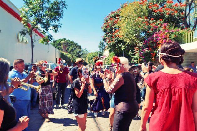 メキシコ_オアハカ_死者の日_パレード