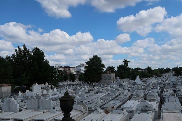 コロン墓地
