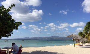 キューバ(14)豪華すぎる朝食とトリニダーから自転車でビーチへ