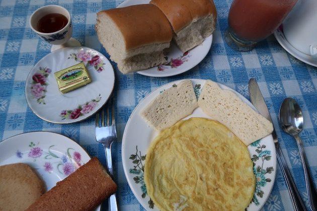 カサ_朝食