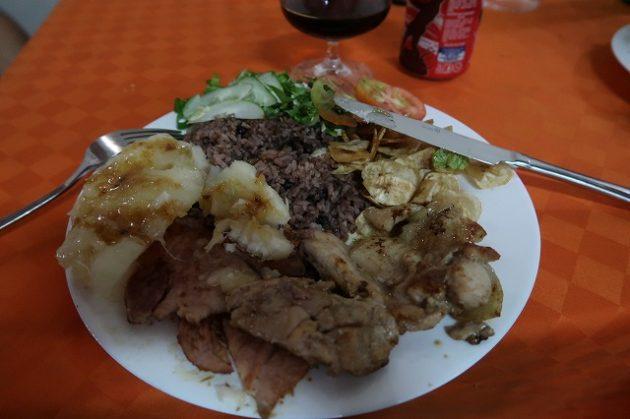 レメディオス_レストラン