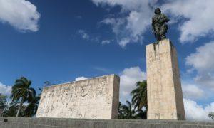 キューバ(23)レメディオスからサンタクララ。ゲバラさんのお墓参り