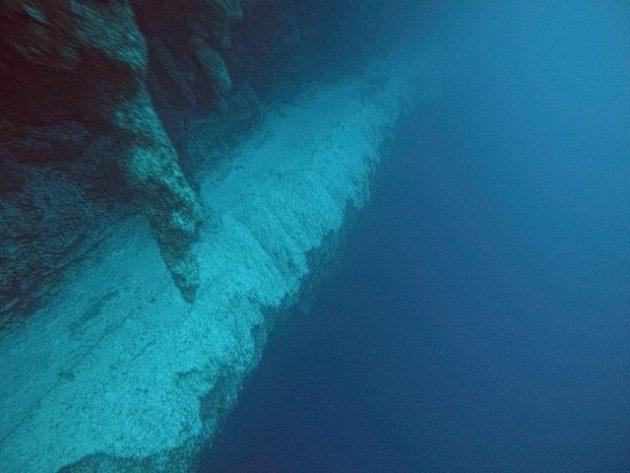 ブルーホール_ダイビング