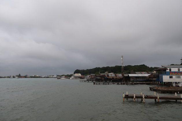 ウティラ島