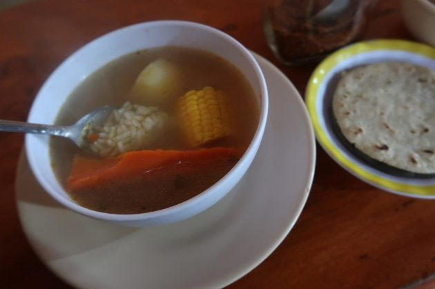 チチカステナンゴ_スープ