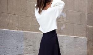 スカートで作るジェンダーレスコーデは黒&ミディアム丈が鍵