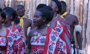 スワジランド(3)これぞ温故知新! スワジ文化村でダンスと歌に酔いしれる