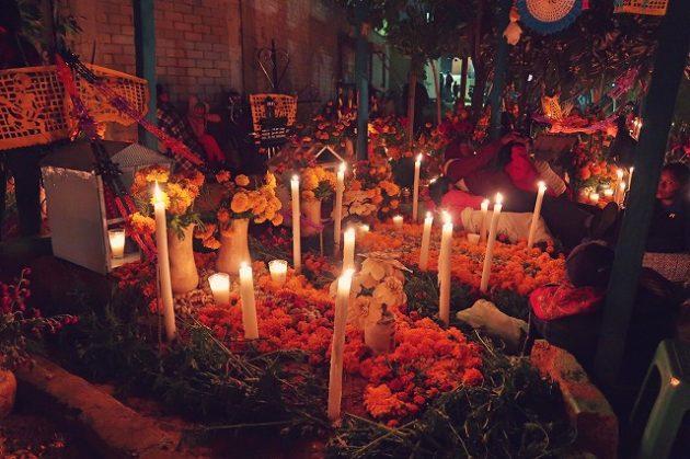 死者の日_メキシコ_オアハカ_お墓