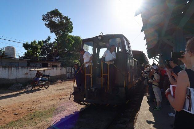 トリニダー_列車